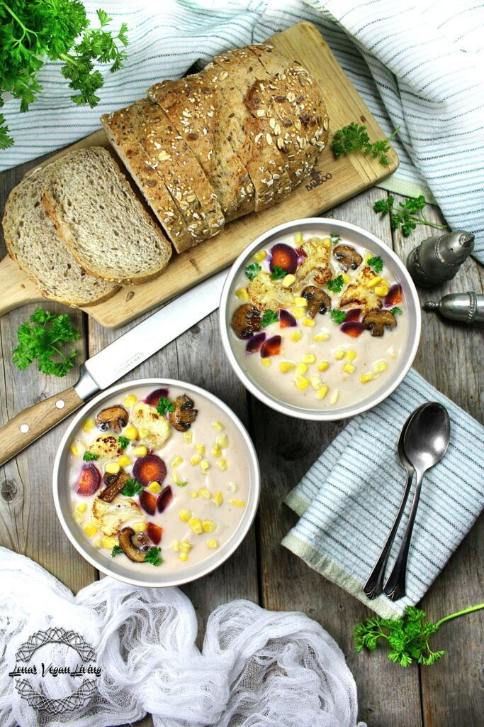 Creamy Veggie Chowder with Cauliflower, Corn & Mushrooms