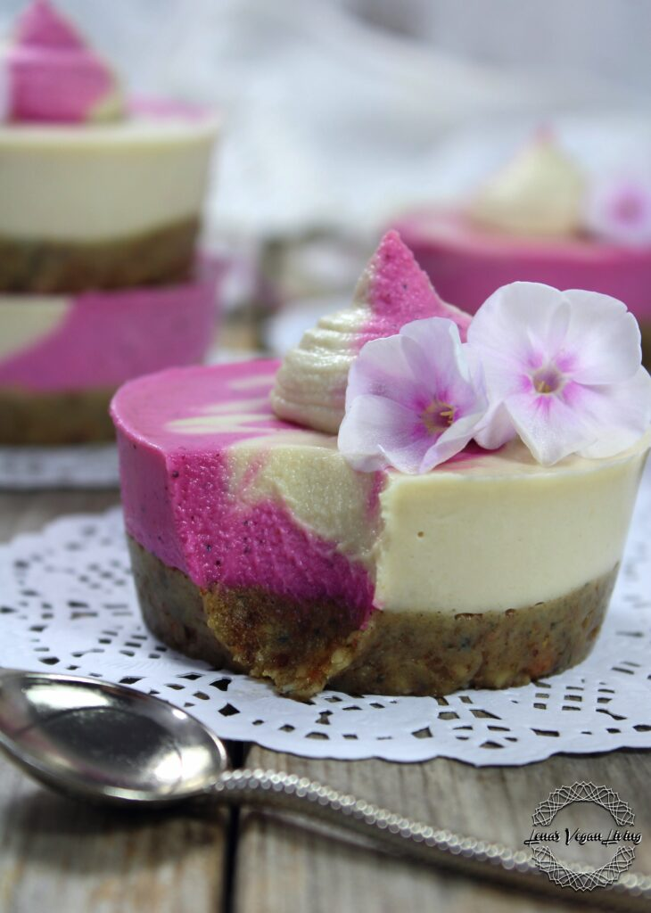 Pitaya Mini Cheesecakes